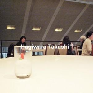 京都 イノダのテーブル